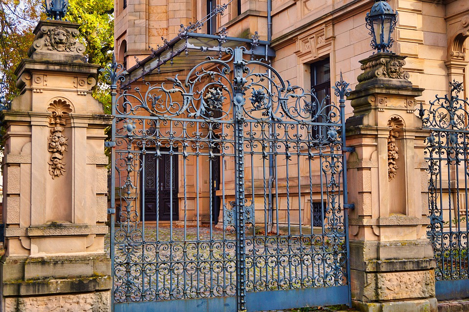 Depuis quand y a-t-il des portes coulissantes ?